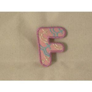 Flockletters kind roze letter F