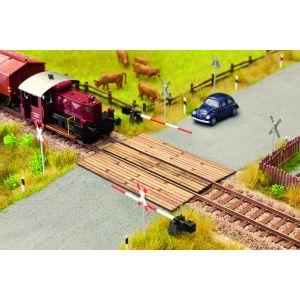 NOCH Laser Cut minis houten spoorwegovergang 5,6x8cm