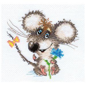 Alisa 0-77 Enamoured baby mouse